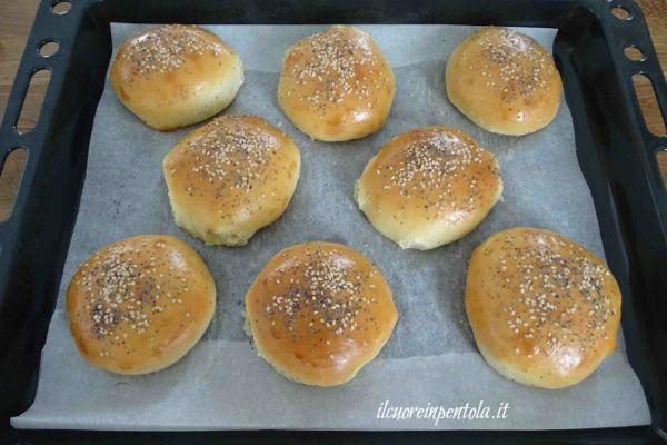 cuocere panini per hamburger