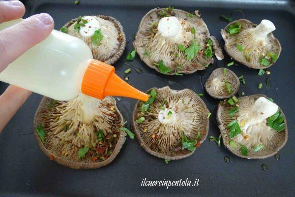 condire funghi