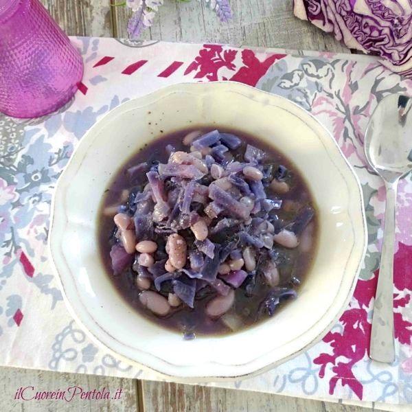 zuppa di cavolo rosso e fagioli cannellini