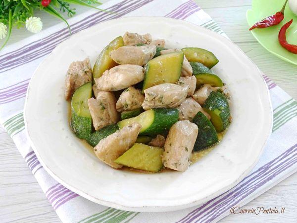 bocconcini di pollo e zucchine