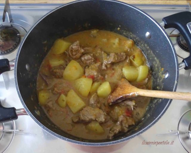spezzatino con patate cotto