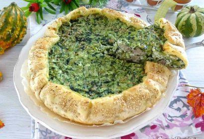 Torta salata con cicoria e salsiccia