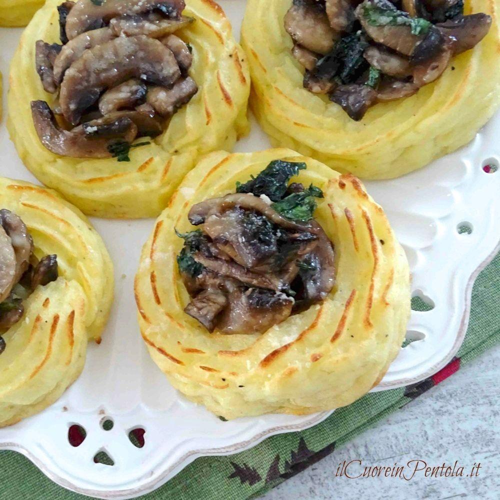 nidi di patate ai funghi