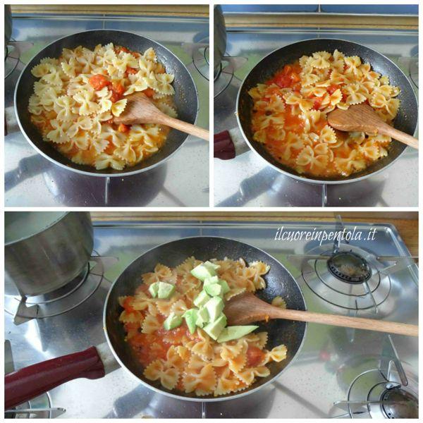 mantecare pasta con avocado e pomodoro
