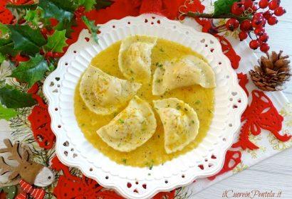 Ravioli al cotechino su crema di lenticchie