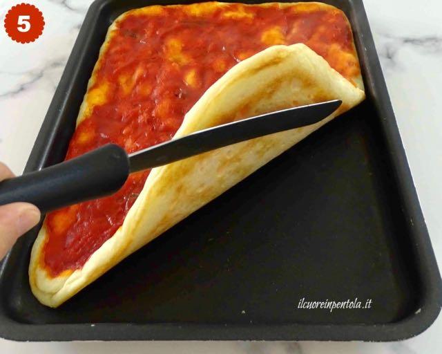 cottura in forno della pizza in teglia