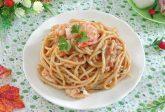 Pasta con gamberi e pesto di pistacchi