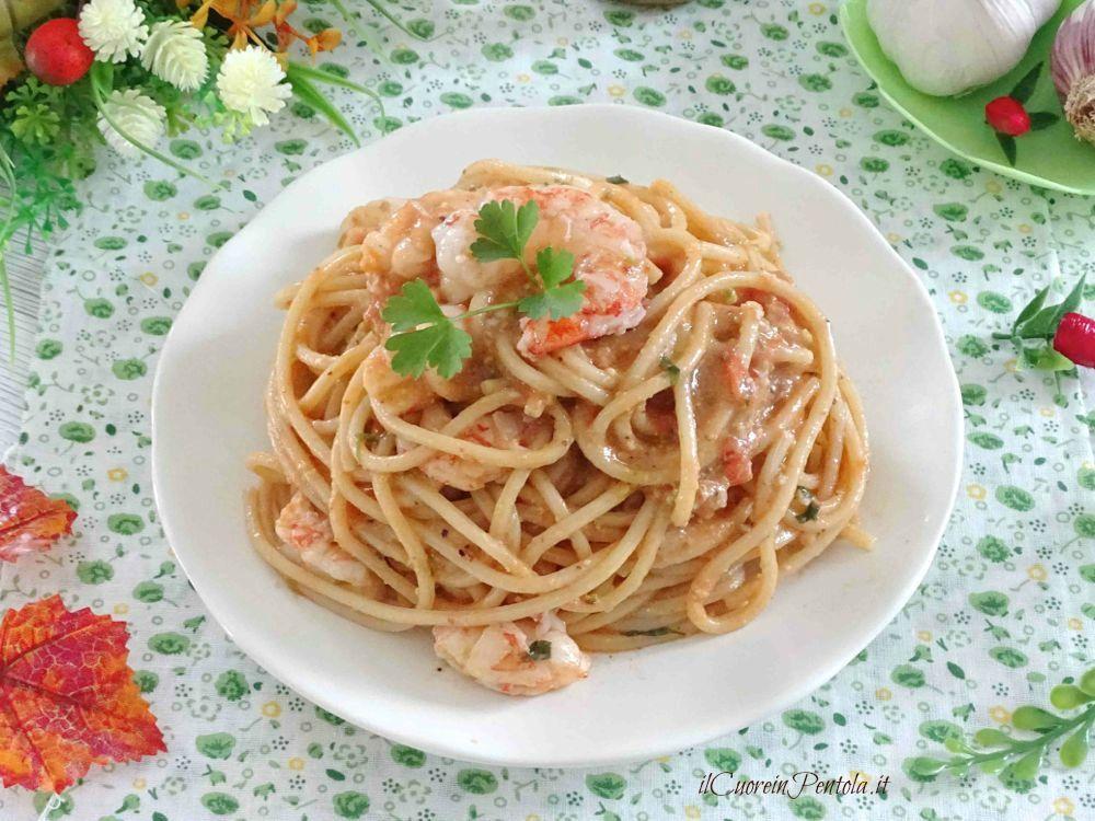 Pasta Con Gamberi E Pesto Di Pistacchi Ricetta Il Cuore In Pentola