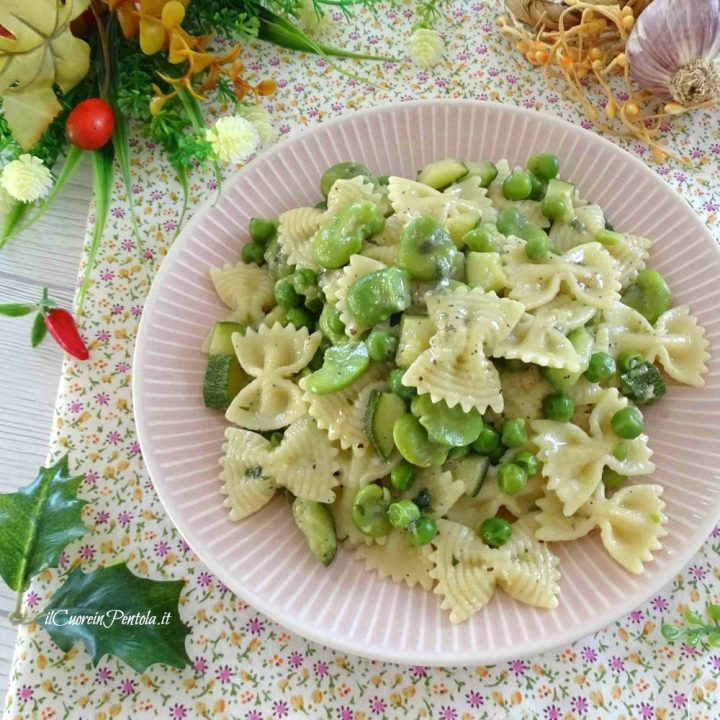 pasta con fave piselli e zucchine