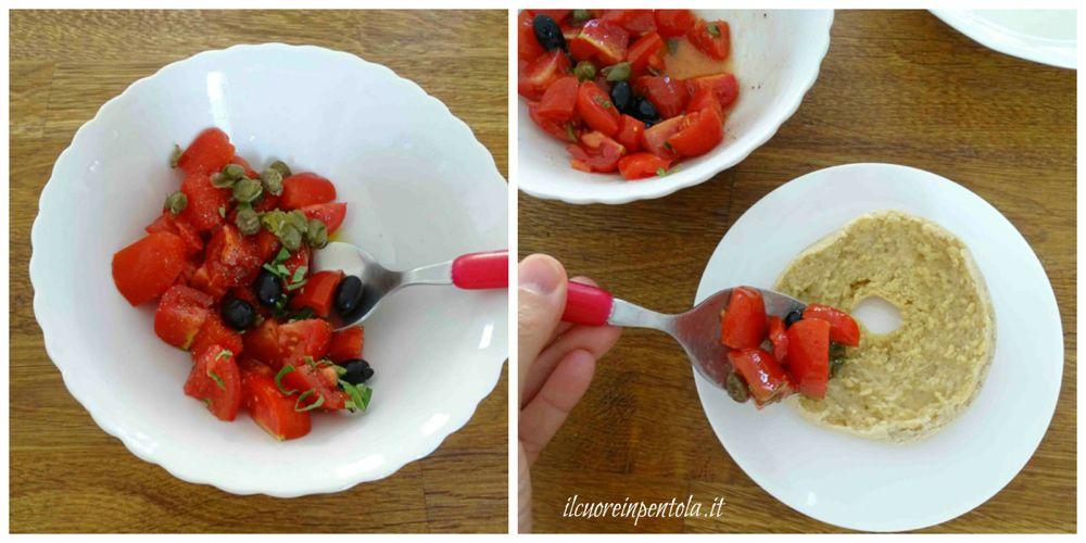 condire friselle con pomodoro