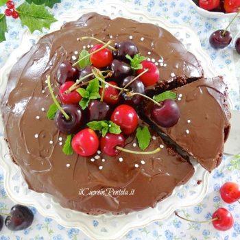 torta cioccolato e ciliegie