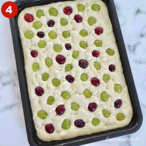 aggiungere chicchi d'uva