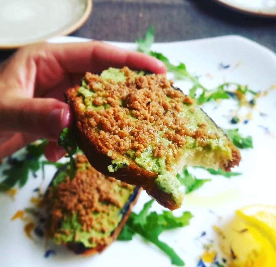 bruschette al pesto di agrumi