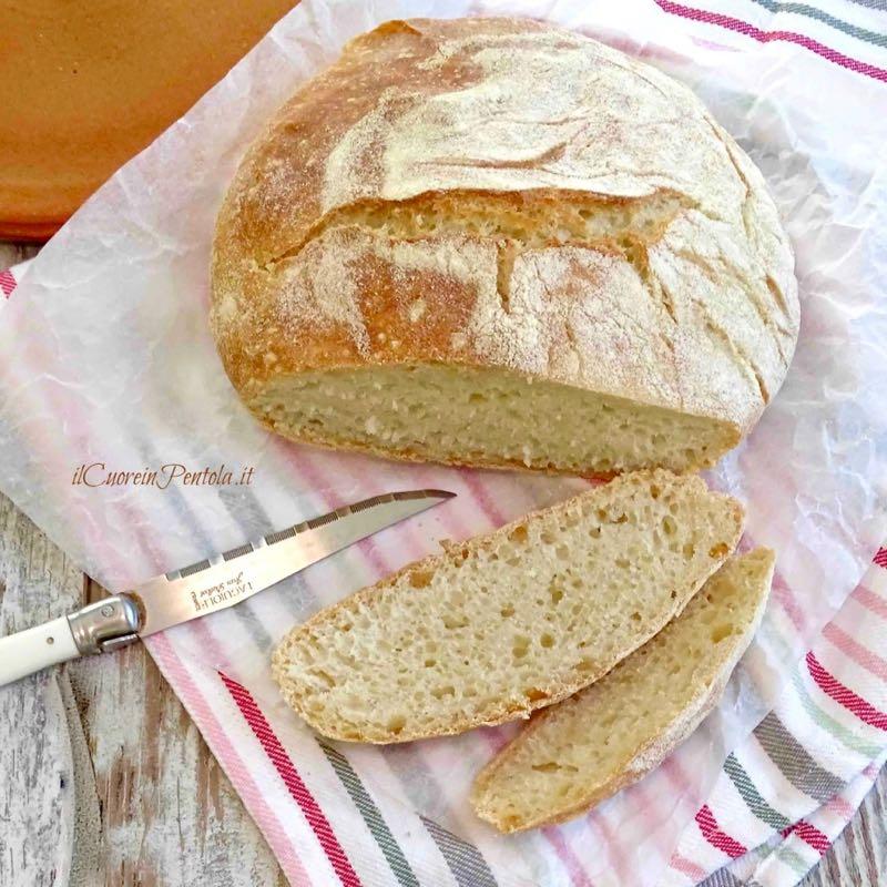 pane senza impasto tagliato