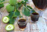 Nocino: Ricetta originale con i malli delle noci