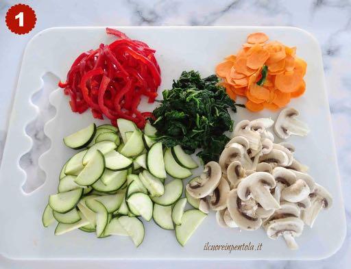 tagliare verdure per japchae
