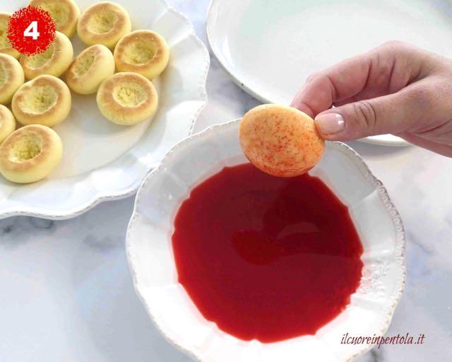 inzuppare biscotti nell'alchermes