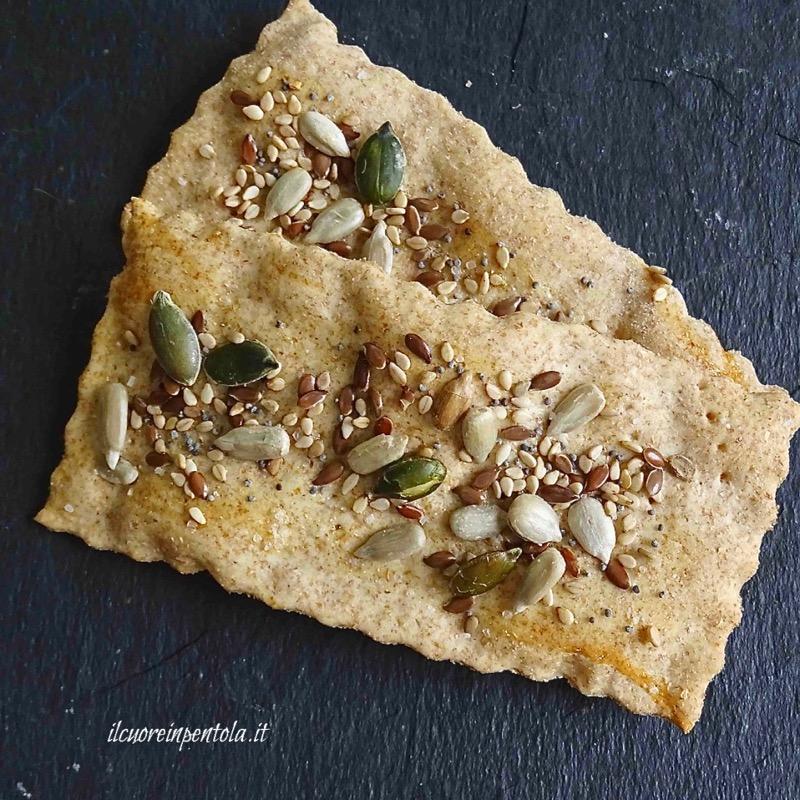 crackers integrali con semi