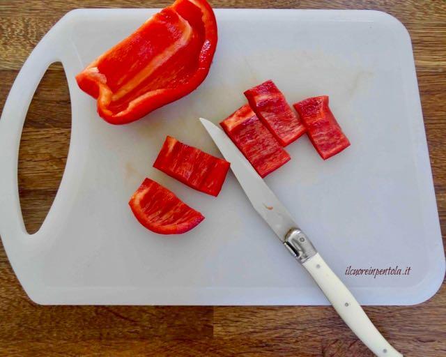 tagliare peperoni