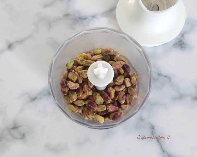 frullare pistacchi